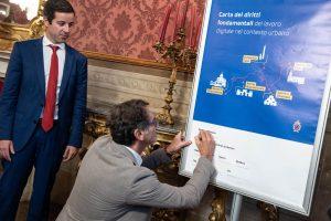 Firma carta Merola foto Giorgio Bianchi per Comune di Bologna